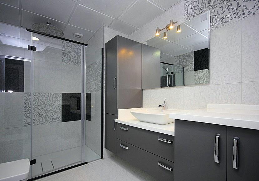 les r novateurs la salle de bain. Black Bedroom Furniture Sets. Home Design Ideas